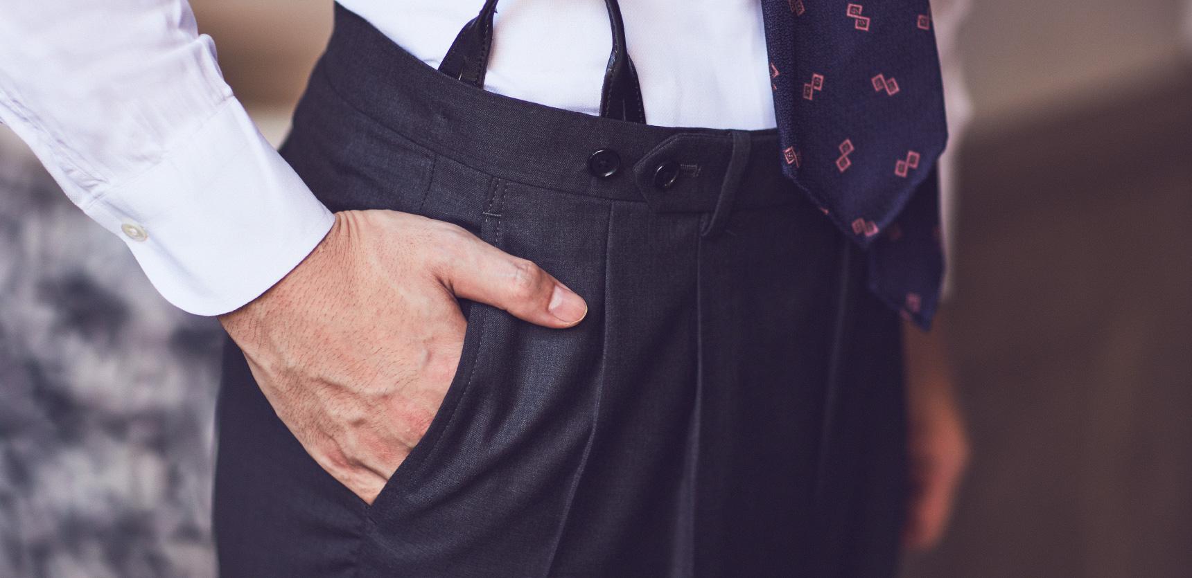 クラシックなスーツやアイテムをお探しの方、イタリアの生地でスーツをオーダーしたい男性はTHE G'S HIDEOUT.(ザ・ジーズ・ハイドアウト)にお越しください。