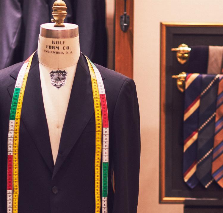 ビジネススーツ・紳士服をご紹介するTHE G'S HIDEOUT.(ザ・ジーズ・ハイドアウト)でスーツのオーダーをする事が出来ます。