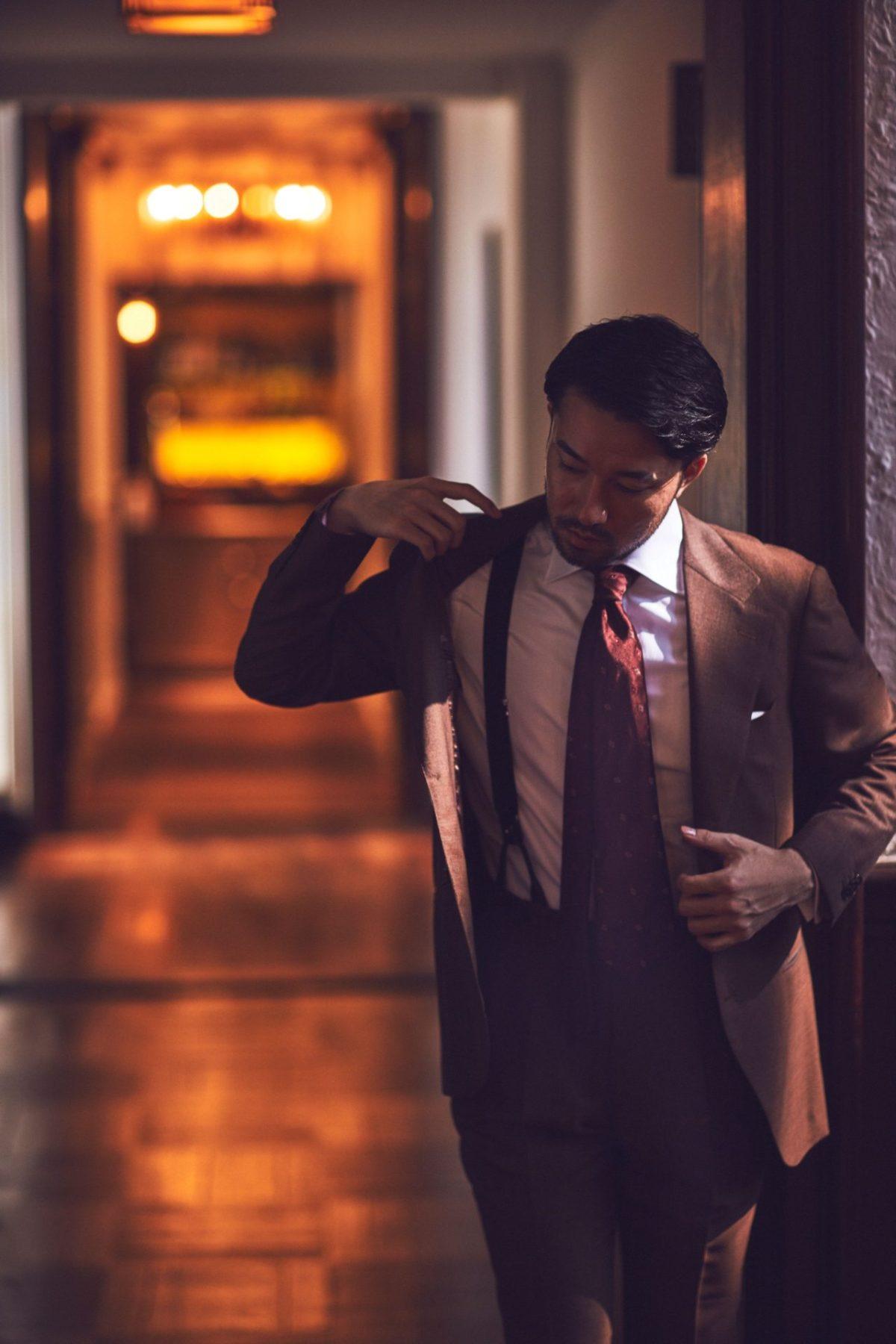 クラシックなスーツに合う、イタリアブランドAtto vannucci(アットヴァン ヌッチ)のワインレッドのネクタイをTHE G'S HIDEOUT.(ザ・ジーズ・ハイドアウト)でお取り扱いしております。