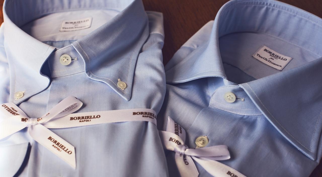 ネイビーのセミワイドカラーとボタンダウンのオーダーシャツは誠実な印象を与える事が出来ます。